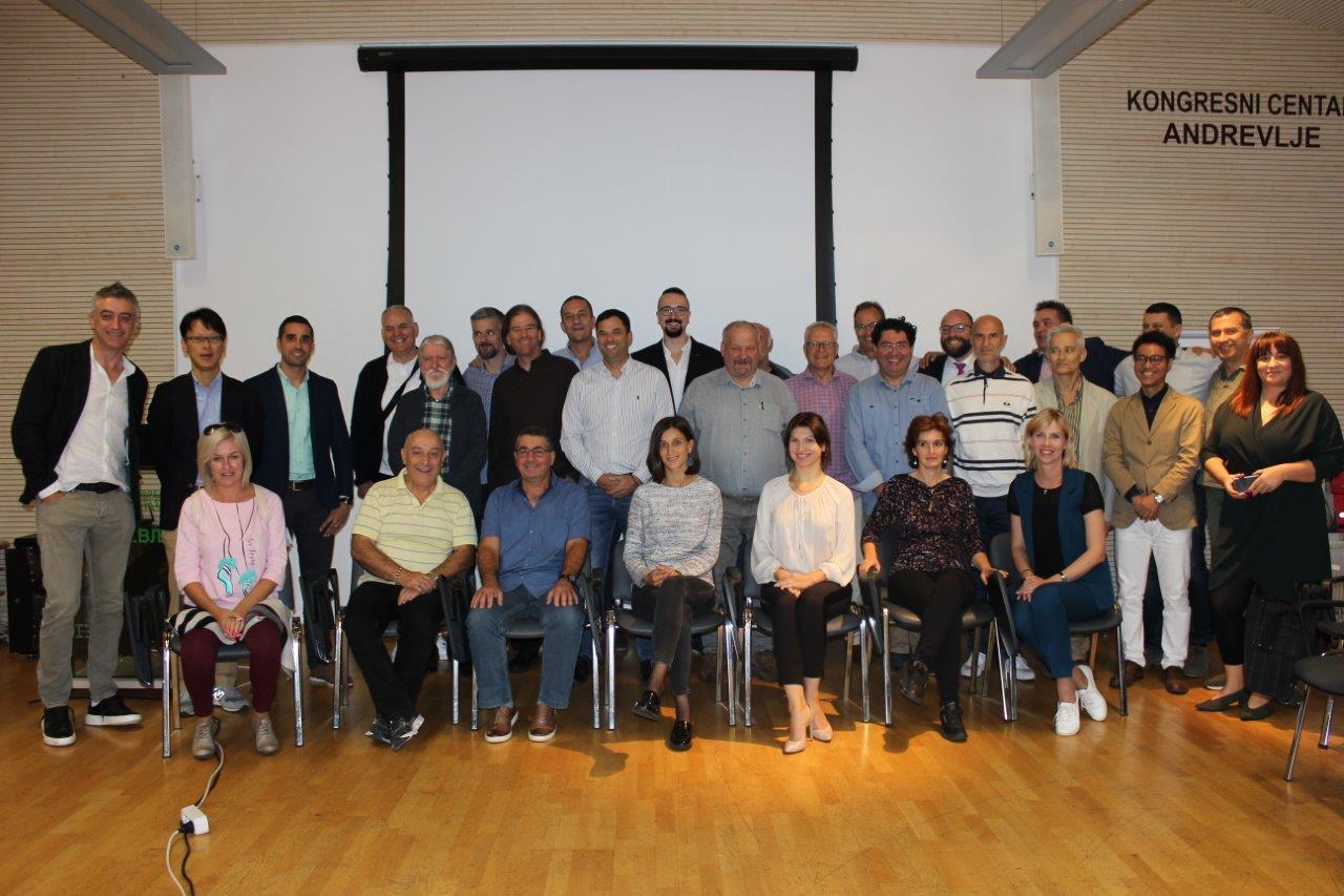 Technologia EM dla pszczelarstwa, konferencja w Serbii